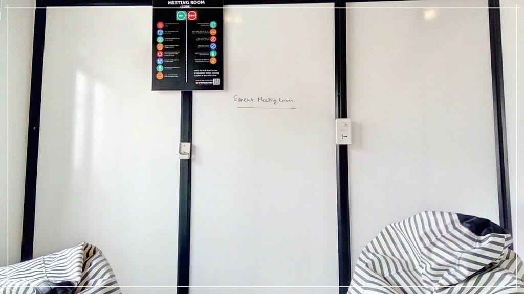 Write Erasable Whiteboard Paint